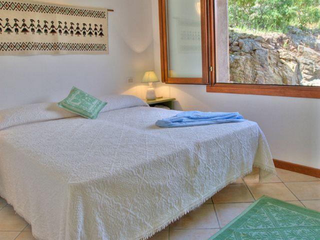 chia - vakantiehuisjes tucul aan zee - sardinie (1).jpg