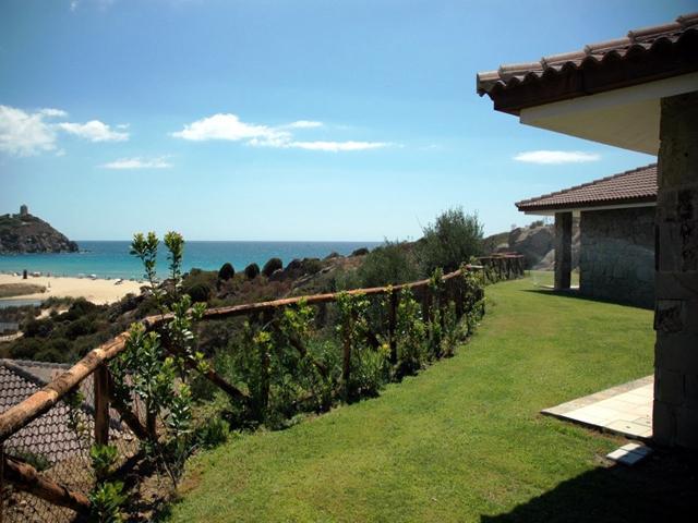 vakantie zuid sardinie - vakantiebungalows aan het strand (1).jpg