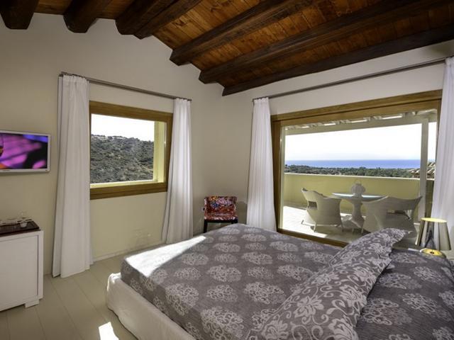 deluxe zeezicht kamer nr. 27- hotel domu simius - sardinie.jpg