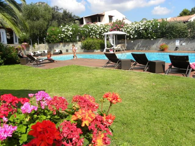 hotel albaruja - hotel sardinie aan zee - sardinia4all (2).jpg