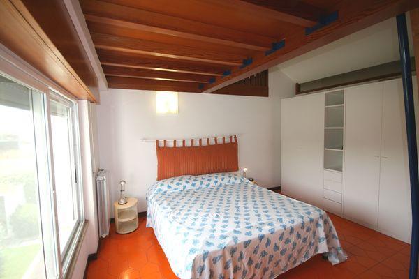 vakantiehuis sardinie met zwembad aan zee (1).jpg
