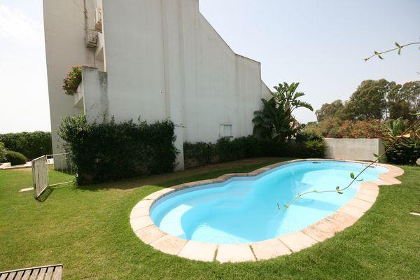 vakantiehuis sardinie met zwembad aan zee (7).jpg