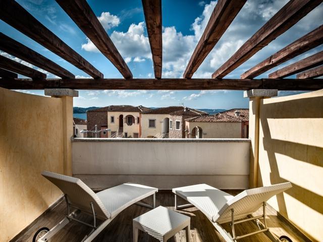 terras - kamer in grand hotel ma and ma resort - sardinia.jpg
