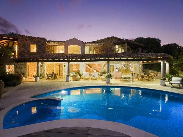 groot vakantie huis sardinie met zwembad - luxe vakanties sardinie.jpg