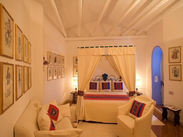 hotels-sardinie-hotels-su-gologone-oliena (2).jpg