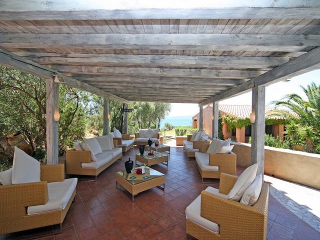 vakantiehuisje-sardinie-aan-zee-baia-salinedda-sardinia4all.jpg