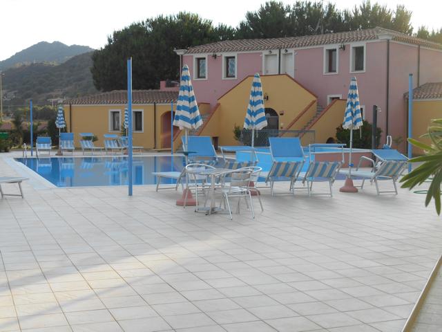 hotel_appartementen_sardinie_rejna_cardedu.png
