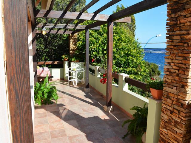 zeezicht-vakantievilla-sardinia4all