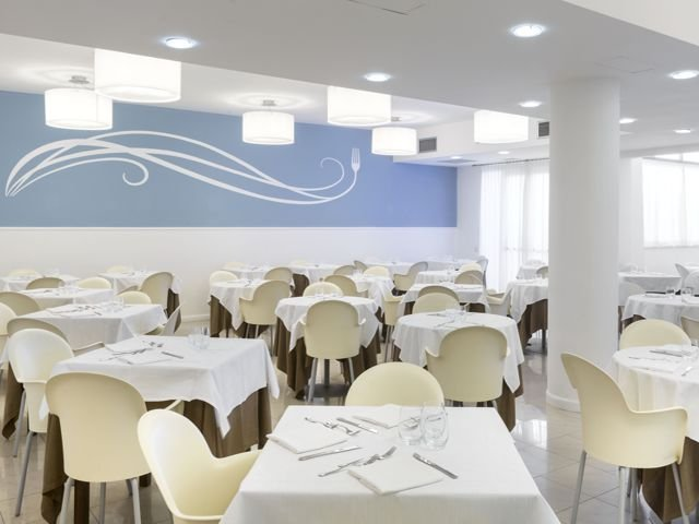 noordoost_sardinie_modern_hotel_in_san_teodoro (2).jpg