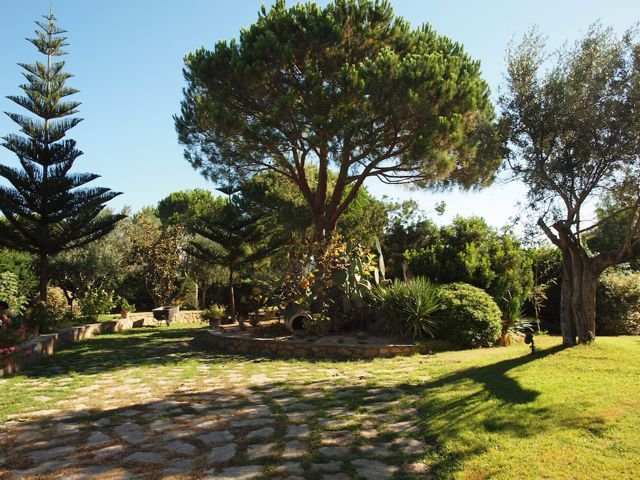 vakantiehuis-sardinie-met-zwembad (2).jpg