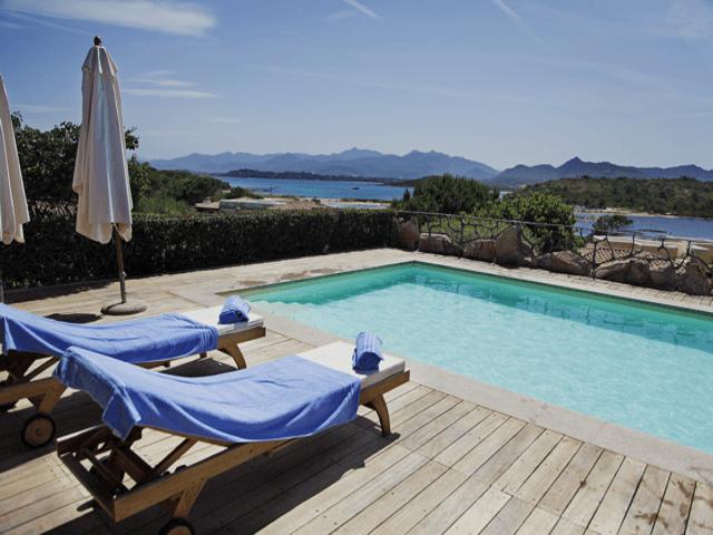 vakantiehuis-sardinie-aan-zee-en-met-zwembad (4).png
