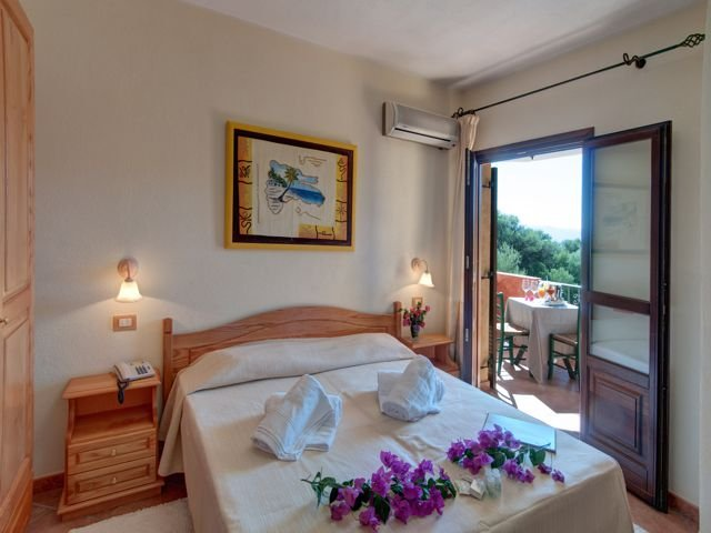 tweepersoonskamer hotel i ginepri - cala gonone (6).jpg