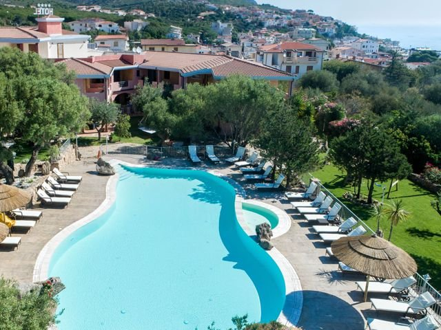club-hotel-residence-i-ginepri-cala-gonone-sardinia.jpg