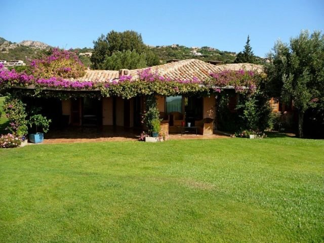 villa-belverdere-9-persoons-vakantiehuis-sardinie.jpg