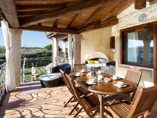 vakantiehuis met zwembad op sardinie - villa capo coda cavallo (31).png