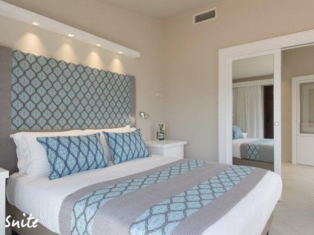 hotel cormoran suite 2.jpg