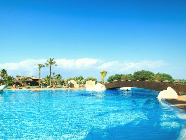 garden-beach-hotel-cala-sinzias-sardinie (8).jpg