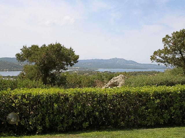 vakantiehuis-porto-rotondo-sardinie-met-zwembad (6).png