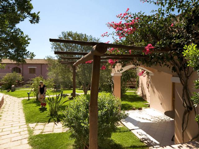 cala di falco resort - cannigione - sardinie (11).png