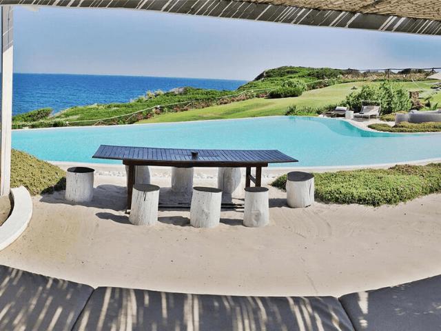 vakantiehuis met zeezicht en zwembad in castelsardo - sardinia4all  (2).png