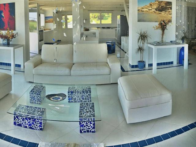 modern vakantiehuis aan zee op sardinie - villa castelsardo (5).png