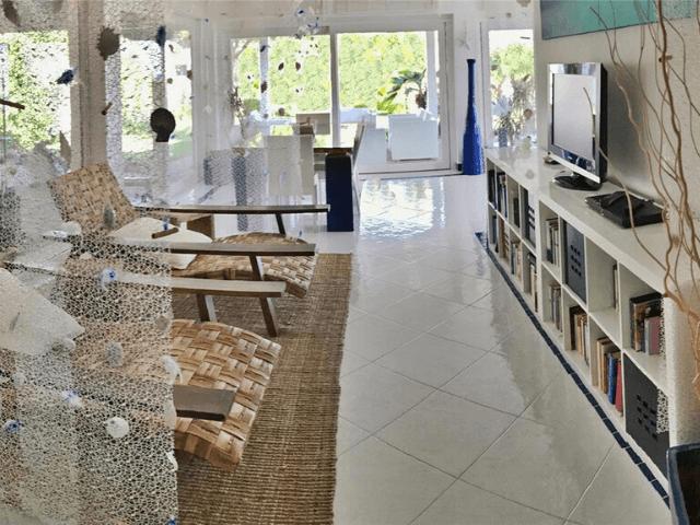 modern vakantiehuis aan zee op sardinie - villa castelsardo (3).png
