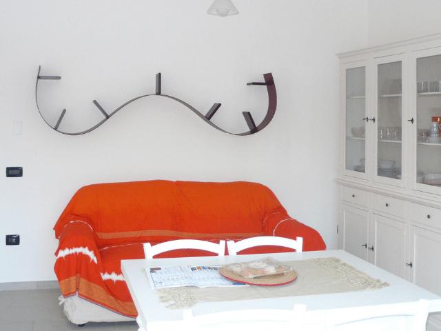 huisje op sardinie aan zee - appartement lungomare orosei - sardinia4all (7).png