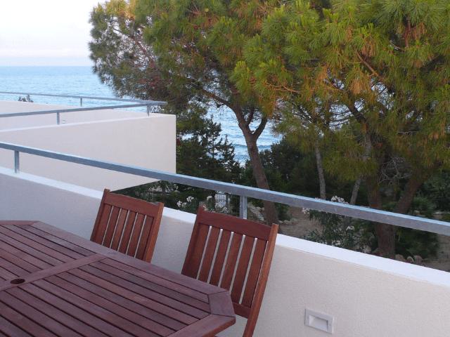 huisje op sardinie aan zee - appartement lungomare orosei - sardinia4all (3).png