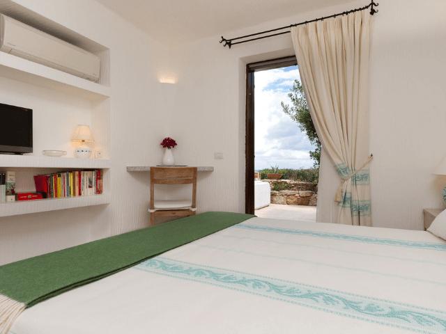 huis aan het strand op sardinie - beach villa golfo aranci - sardinia4all (27).png