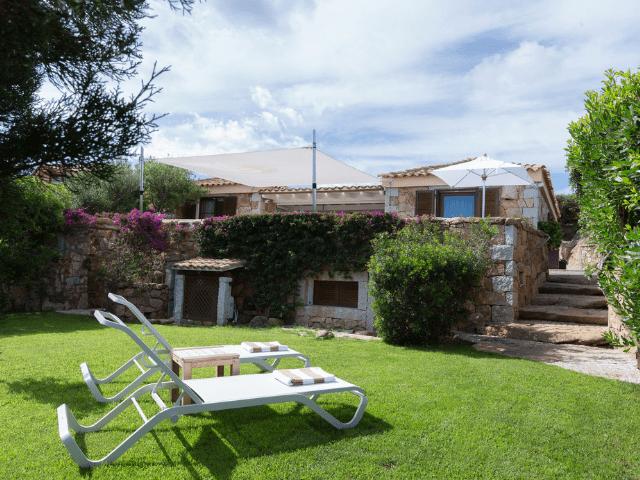 huis aan het strand op sardinie - beach villa golfo aranci - sardinia4all (15).png