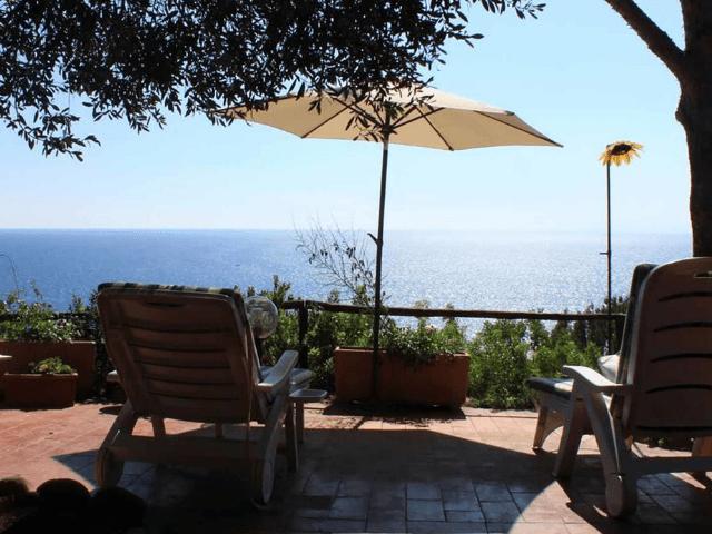 holiday home sardinie with sea view - casa delfino.png