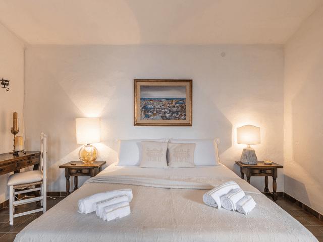 luxe huis sardinie met zeezicht en zwembad (20).png