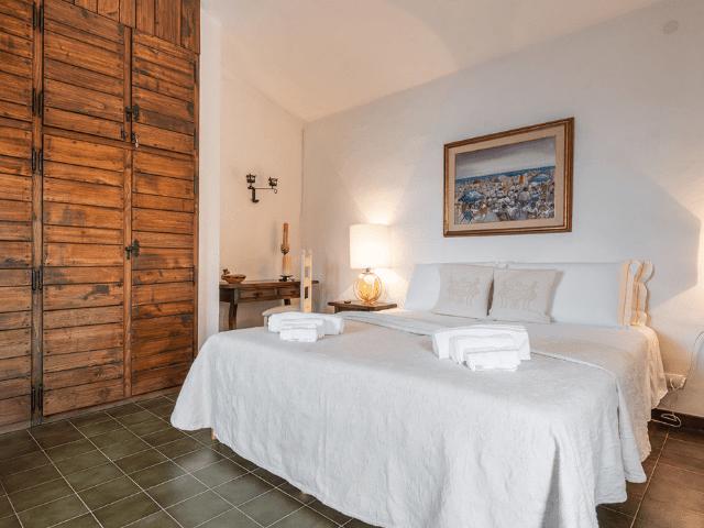 luxe huis sardinie met zeezicht en zwembad (21).png