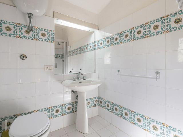 luxe huis sardinie met zeezicht en zwembad (23).png