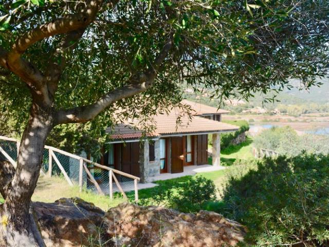 bungalow aan zee op sardinie (3).png