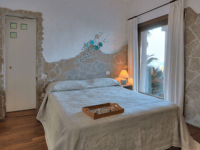 luxe vakantie villa cala granu in noord sardinie (22).png
