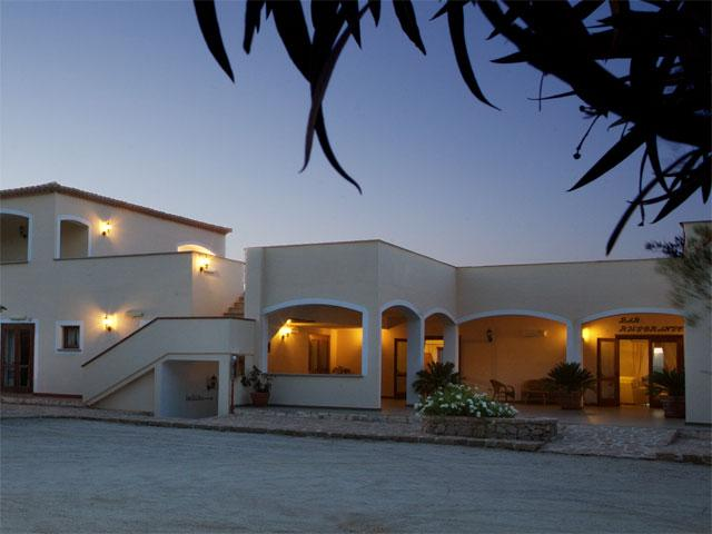 Entree - Hotel Valkarana - Sant' Antonio di Gallura - Sardinië