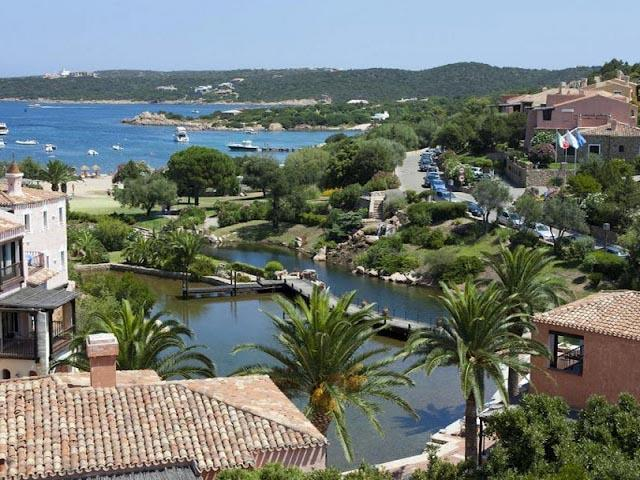 Uitzicht over de baai - Bagaglino - Sardinie