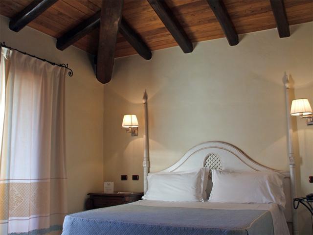 In Sa Contonera verschillen de kamers qua kleur (1)