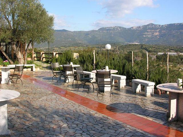 Schitterende ligging van I Mandorli - Agriturismo Sardinie (2)