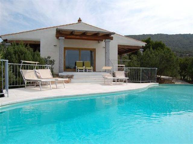 Luxe vakantie villa met zwembad in Sardinie - Vakantiehuis Monti di Mola - Baja Sardinia