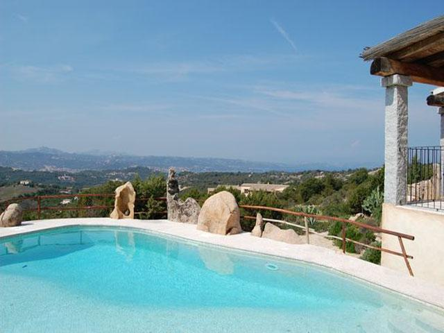 Vakantiehuis met zwembad Sardinie - Villa Silvaredda in Baja Sardinia (1)