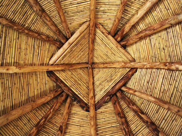 Het handgemaakte dak van de herdershut