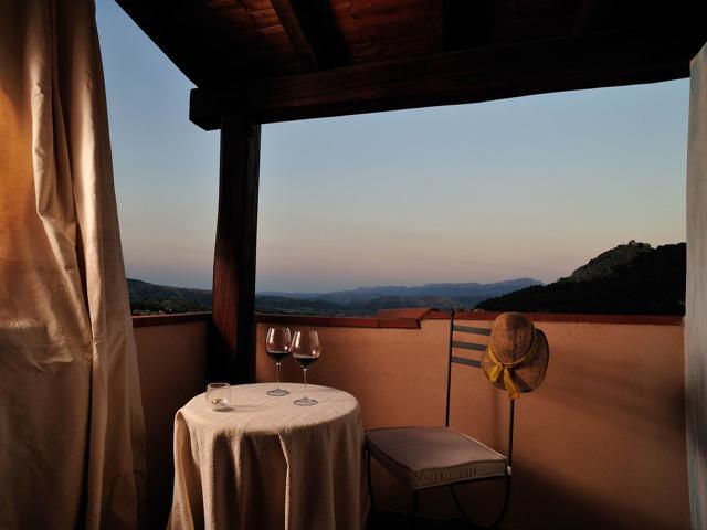 Su Lithu - by night - Hotel Sardinie