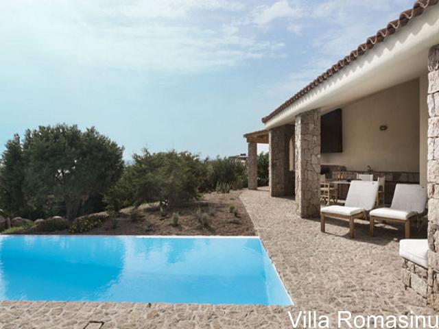 sardinie - luxe vakantiehuis aan zee met zwembad - sardinia4all (11).jpg