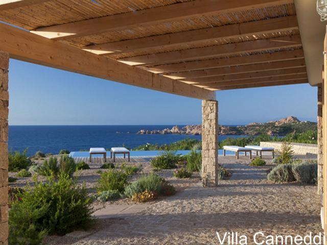 villa sardinie met zwembad en zeezicht - sardinia4all (3).jpg
