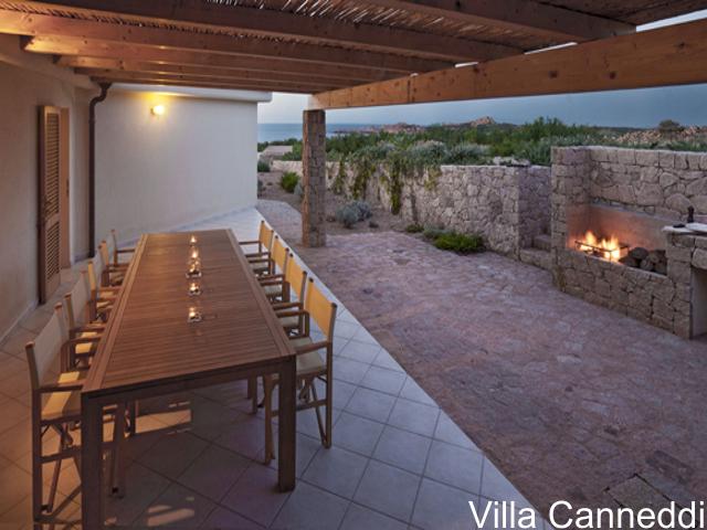 villa sardinie met zwembad en zeezicht - sardinia4all (4).jpg