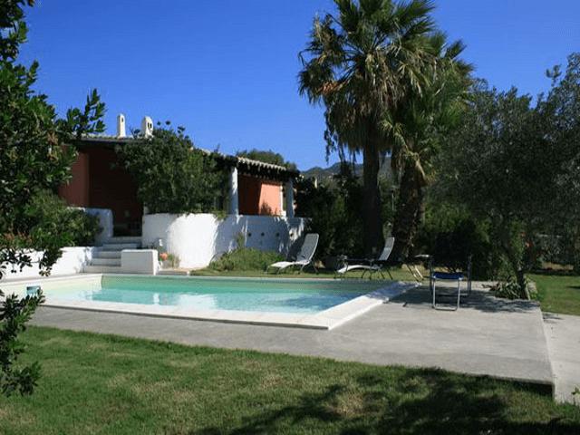 Villa Venere Sardinie - Villa met zwembad aan zee