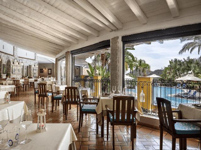 restaurant-cruccuris-resort