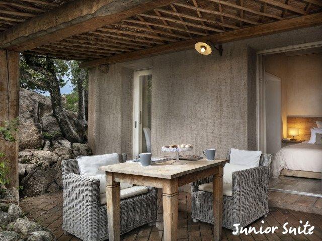 petra segreta junior suite patio.jpg